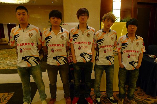 2012年是东珈精鹰电竞俱乐部发展和收获的一年。在四月初结束的中国第一个CF电视联赛CFPL上勇夺冠军,接着他们对外宣布将成立LOL分队,正式成为一家真正意义上的电竞俱乐部,不过东珈精鹰的收获还不止这些。 2012年5月10日,东珈精鹰在其总部浙江诸暨对外宣布:著名的外设厂商CHERRY(樱桃)将成为俱乐部2012年的外设赞助商。这也意味着东珈战队成为历史,而俱乐部创始人东哥的一人俱乐部也成为历史。  5月10日,CHERRY赞助东珈精鹰的新闻发布会暨签约仪式在诸暨举行,CHERRY中国区总经理
