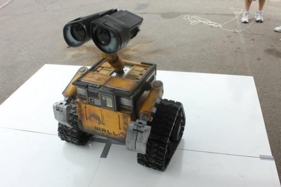 DIY真实版小机器人瓦力 人群之中寻找伊娃