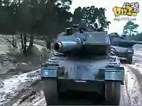 豹2A6主战坦克越野实战测试