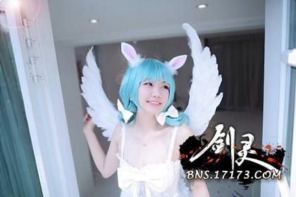 宅男福利 剑灵神级COS演绎天使时装真人诱惑