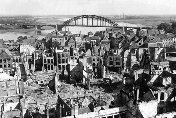 战后的大桥