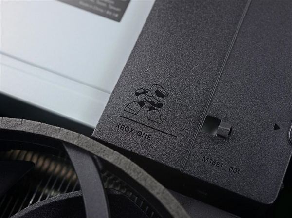 图示Xbox One S彻底拆解