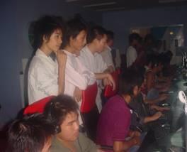 江西/来自宜春市各网吧分赛区的人员,他们各自胸有成竹、志趣高昂,...