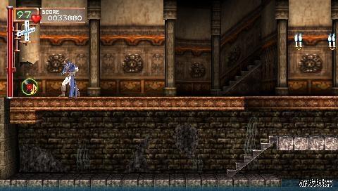 一开始,上方左面的墙壁击碎后获得